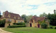 Périgord : Rouffignac-Saint-Cernin-de-Reilhac  Superbe ensemble immobilier à 20 minutes de Périgueux : sur 10 hectares de prés et bois, belle demeure avec moulin, gite et maison annexe. Classe énergie E – 856 000€ FAI