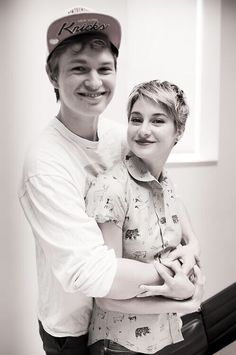 Ansel Elgort  Shailene Woodley at the Apple Store TFIOS QA
