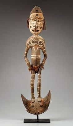 """Iatmul People, Papua New Guinea, Suspension Hook, late 1800s to early 1900s. Wood, fiber, shell, and pigment, 36"""" x 11"""" x 6"""" (91.4 x 27.9 x 15.2 cm). © Museum of Fine Arts, Boston. (MFAB-738)"""