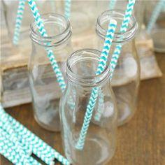 Melkeflasker i glass - - 12 stk - Til Bryllupet Creepy Carnival, Glass Milk Bottles, Save On Crafts, Craft Show Ideas, Simple Flowers, My Glass, Flower Vases, Canning, Bat Mitzvah
