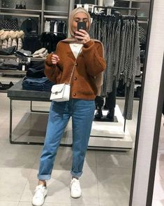 Hijab Fashion Summer, Modern Hijab Fashion, Street Hijab Fashion, Hijab Fashion Inspiration, Muslim Fashion, Modest Fashion, Fashion Trends, 80s Fashion, Style Fashion