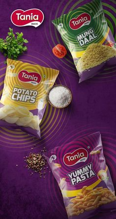 Searching for Creative Chips Packaging Design Agency Delhi? Make contact with DesignerPeople – Best Design Studio in India specializing in food and drinks. Chips Packaging, Packaging Snack, Food Packaging Design, Packaging Design Inspiration, Packaging Ideas, Food Design, Food Graphic Design, Advertising Design, Product Advertising