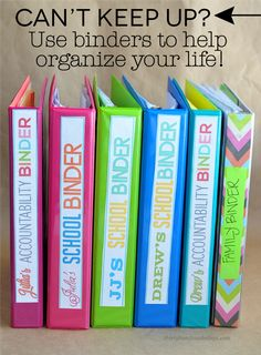 Can't Keep Up? How to Use Binders to Organize Your Life - simple tips that anyone can use to help get your life on track. Printables include... School Organization, Paper Organization, Organization Station, Household Organization, Closet Organization, Finance Organization, Folder Organization, Budget Binder, Home Binder
