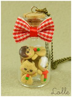 Fimo Gingerbread man Bottle by LolleBijoux on deviantART - Seriously, this artist rocks! Polymer Clay Miniatures, Fimo Clay, Polymer Clay Charms, Bottle Charms, Bottle Necklace, Christmas Clay, Christmas Crafts, Clay Projects, Clay Crafts