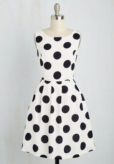 Give It Your Best Spot Dress. Compiling a classic look with this white fit and flare as the focus is the easiest ensemble achievement! White A Line Dress, White Polka Dot Dress, Polka Dots, Retro Vintage Dresses, Retro Dress, Mod Dress, Dress Up, Flare Dress, Casual Dresses
