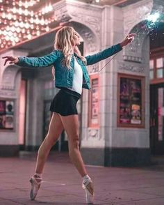 Dancing photography poses photo shoots senior girls 33 Ideas for 2019 Dance Photography Poses, Dance Poses, Yoga Poses, Girl Photography, Ballet Pictures, Dance Pictures, Tumblr Ballet, Dance Aesthetic, Nature Aesthetic