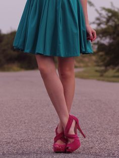 Fuchsia / Hot Pink Wedding. Teal and pink. Bridesmaid. Shoes and dress.