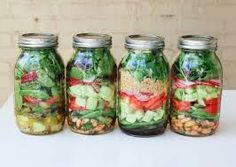 Resultado de imagem para salada no vidro