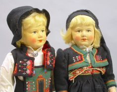 Dolls, in Norwegian traditional national costumes,