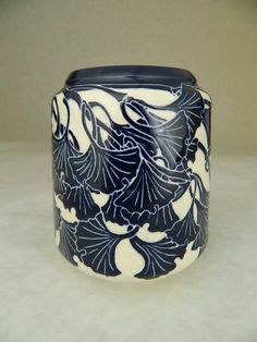 Ken Tracy - ceramics - pottery -  Ginkgos in blue & white