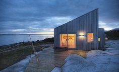 Modern Flat Pack Tiny Homes by Backcountry Hut Company https://blogjob.com/tinyhouseblogs/2016/12/14/modern-flat-pack-tiny-homes-by-backcountry-hut-company/
