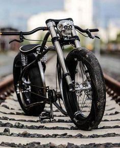 Classic-Cycle | online kaufen Custom Velo, Custom Bikes, Velo Design, Bicycle Design, Cruiser Bicycle, Motorized Bicycle, Cool Bicycles, Cool Bikes, Velo Shop