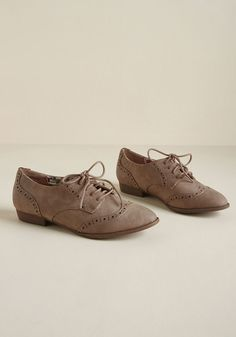 6aeb615d81f20 Walking on Wingtip-Toes Oxford Flat in Taupe. Women Oxford ShoesOxford ...