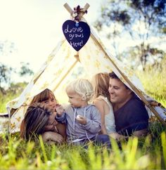 cute family photo idea Ooooo a tent would be so cool for a shoot for the girls! Fun Family Photos, First Year Photos, Cute Family, Family Posing, Cute Photos, Family Portraits, Happy Family, Sunday Photos, Family Share