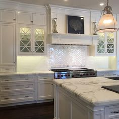 Kitchen cabinet paint color is Benjamin Moore Simply White. Designed by Trish Steele from Churchill Design. New Kitchen, Kitchen Decor, Kitchen Design, Kitchen Ideas, Kitchen Paint, Vintage Kitchen, Kitchen Cabinetry, Glass Cabinets, Kitchen Backsplash