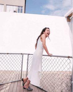 Photography Women, Portrait Photography, Turkish Women Beautiful, Turkish Actors, Kara, White Dress, Actresses, Cute, Clothes