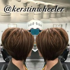 33 Hottest A-Line Bob Haircuts You'll Want to Try in 2019 - Style My Hairs Stacked Haircuts, Short Bob Haircuts, Haircut Short, Bob Hair Color, Hair Color And Cut, Karamelfarbene Highlights, Trending Hairstyles, Cool Hairstyles, Short Hair Cuts