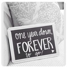 I need this for our 1 year anniversary photos! Anniversary Chalkboard, 1st Wedding Anniversary Gift, Anniversary Pictures, Marriage Anniversary, Anniversary Gifts For Husband, Anniversary Parties, Happy Anniversary, First Anniversary Quotes, Aniversary Gift