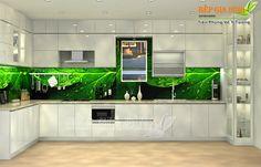 Tủ bếp gỗ thiết kế độc đáo với kính màu in hình chiếc lá