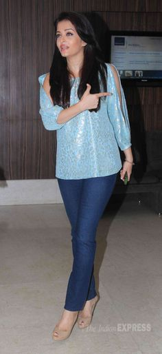Aishwarya Rai Bachchan at Jazbaa movie cast script reading event. #Bollywood #Fashion #Style #Beauty