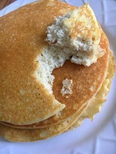 Keto Pancakes 4 large eggs cream cheese Vanilla extract to taste Cinnamon a few shakes 1 tbsp sweetener substitute 1 4 cup coconut flour 1 tsp baking powder Each pancake using 1 measuring cup is Cal 65 5 Carbs 1 Fat 6 Protein 4 Low Carb Keto, Low Carb Recipes, Diet Recipes, Ketogenic Recipes, Ketogenic Diet, Chicken Recipes, Ketosis Diet, Recipes Dinner, Recipies