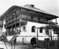 Targu Jiu - Gorj - Cula Cartianu din satul Cartiu ridicată la 1760 Mansions, House Styles, Home Decor, Google, House, Decoration Home, Manor Houses, Room Decor, Villas