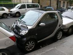 Learn to reverse park - seen outside a coffee shop Cat Memes, Funny Memes, Hilarious, Good Character Traits, Car Fails, Smart Car, Smiling Dogs, Good Jokes, Car Humor