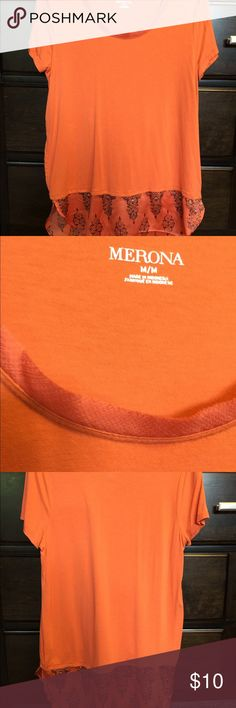"Merona/Target printed chiffon-hem tshirt | Size M Excellent condition! Only worn a few times. Material has some stretch to it. Color is ""wood lily orange"" which is a burnt orange color. It may look more coral in the photos but it's more like a pretty Fall orange. 🍁🍂Chiffon hem is also orange with an ornamental pattern. Neck seam has a raw edge look so it has slight fraying but barely noticeable. No stains, comes from a smoke/pet free home. Merona Tops Tees - Short Sleeve"