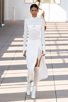 Spring 2020 Fashion Trends – Fashion Week Coverage - Mode Rsvp - Dion Lee Spring Summer 2020 trends runway coverage Ready To Wear Vogue lingerie underwear ov - Dion Lee, Vogue Fashion, Paris Fashion, Runway Fashion, Womens Fashion, 2020 Fashion Trends, Fashion 2020, High Fashion, Elegantes Outfit Frau