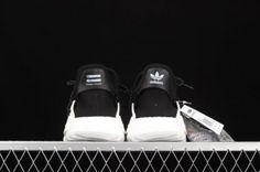 Black White, Adidas Nmd R1, Vans Classic Slip On, Hot, Sneakers, Fashion, Black And White, Tennis, Moda