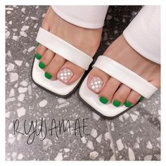 Installation of acrylic or gel nails - My Nails Gel Pedicure, Pedicure Colors, Pedicure Designs, Toe Nail Designs, Nail Colors, Pedicures, Pretty Toe Nails, Pretty Toes, Feet Nails