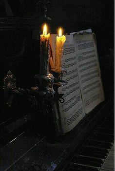 The Phantom of the Opera Gothic Aesthetic, Slytherin Aesthetic, Witch Aesthetic, The Ancient Magus, Crimson Peak, Estilo Rock, Arte Obscura, Phantom Of The Opera, The Villain