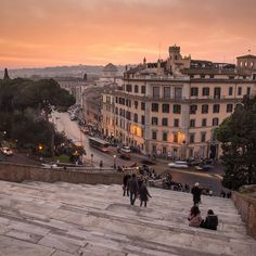 Sunset in Rome. The third and last sunset from my weekend in Rome. Taken from the steps leading to Santa Maria in Aracoeli. Oh The Places You'll Go, Places To Travel, Places To Visit, Travel Destinations, City Aesthetic, Travel Aesthetic, Beige Aesthetic, Weekend In Rome, Visit Rome