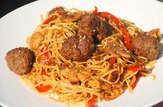 Pasta Recipes, Appetizer Recipes, Chicken Recipes, Spagetti Carbonara, Bacon Zucchini, Pad Thai Noodles, Tasty, Yummy Food, Wok