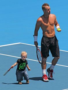 Lleyton Hewitt may have lost to Janko Tipsarevic, but his son won the cuteness contest. #AustralianOpen