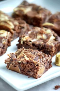 Caramel Cheesecake Rolo Brownies looks so good & tempting. My mouth is watering