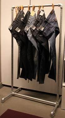 steigerbuis kledingrek