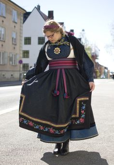 Folk Costume, Costumes, Oslo, Fashion History, Norway, Harajuku, Anna, Embroidery, Outfits