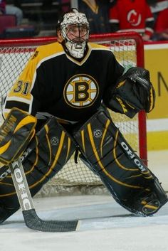 Boston Bruins Goalies, Bruins Hockey, Hockey Goalie, Field Hockey, Hockey Players, Goalie Pads, Ice Hockey Teams, Boston Sports, Nfl Fans