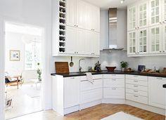 Дизайн угловой кухни белая