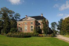 Nieuwolda, boerderij De Blinke met villa-achtig voorhuis uit 1876. rijksmonument