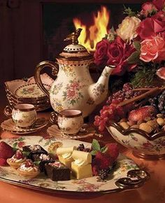 I want to invest in a gorgeous tea set for when my girlfriends come over. It'll be put to great use with my Nieces as we'll TEA PARTY Coffee Time, Tea Time, Coffee Set, Vintage Tee, Autumn Tea, Christmas Tea, Victorian Christmas, Tea Service, Coffee Service