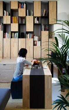 Appartement M, Bordeaux, 2014 - Latelier miel bookshelves interiors wood Arch Interior, Interior Architecture, Interior And Exterior, Interior Decorating, Decorating Ideas, Muebles Living, Appartement Design, Home Living, Office Interiors