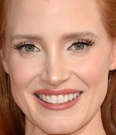 Found! The exact makeup Jessica Chastain was wearing at the 2014 Golden Globes, plus how to recreate her hairstyle: http://beautyeditor.ca/2014/01/14/jessica-chastain-golden-globes-2014/