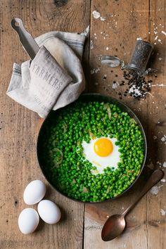 Uova e piselli / eggs pea