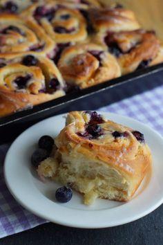 Blueberry Breakfast Buns (Blaubeer-Schnecken) von USA kulinarisch