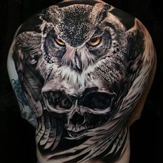 Owl tattoo back, owl tattoo chest, nape tattoo, finger tattoos, wrist tatto Owl Tattoo Back, Owl Tattoo Chest, Cool Back Tattoos, Upper Back Tattoos, Chest Piece Tattoos, Back Tattoos For Guys, Badass Tattoos, Amazing Tattoos, Back Piece Tattoo
