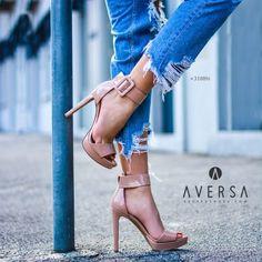 8e37c3e8981b7 Must Have - Aversa Shoes S.r.l.. Sandalo con tacco Steve Madden Circuit