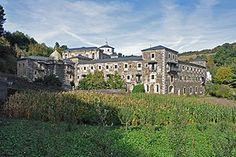 Lugo Samos Este es un monasterio de origen antiguo, se atribuye su fundación a San Martín de Dumio, obispo de Braga en el siglo VI.