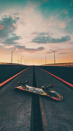 wallpaper huawei skate You are in the right place about Skating P Skateboard Pictures, Skateboard Art, Skateboard Tumblr, Electric Skateboard, Longboards, Tumblr Skate, Skate Wallpaper, Wallpaper Art, Surfing Wallpaper